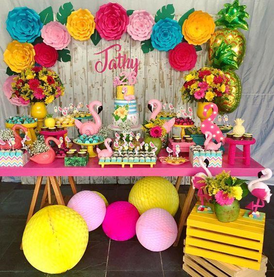 fiesta con tematica de flamingos