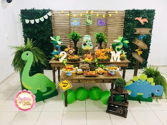 fiesta de dinosaurios para niños
