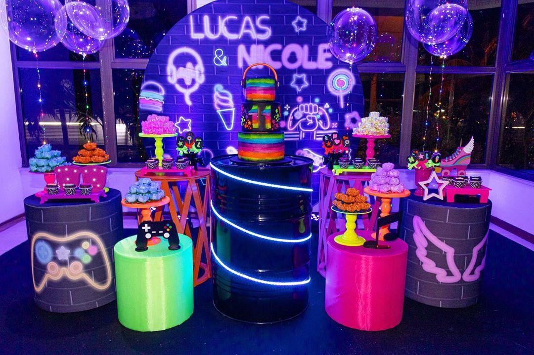 fiestas para Adolescentes color neon