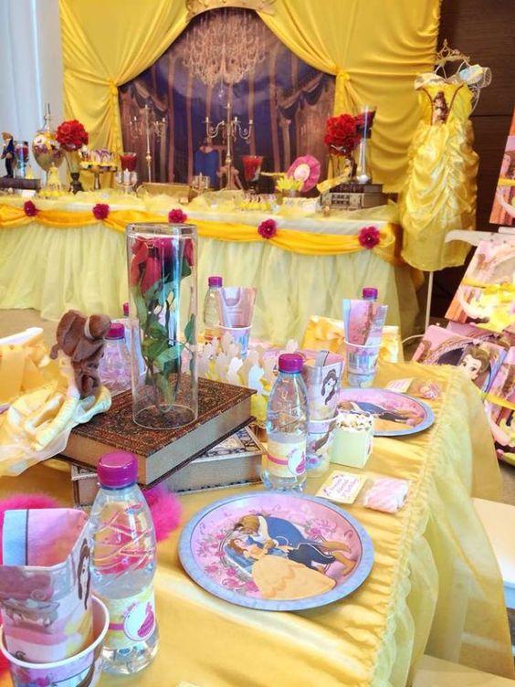 decoracion de mesa de invitados