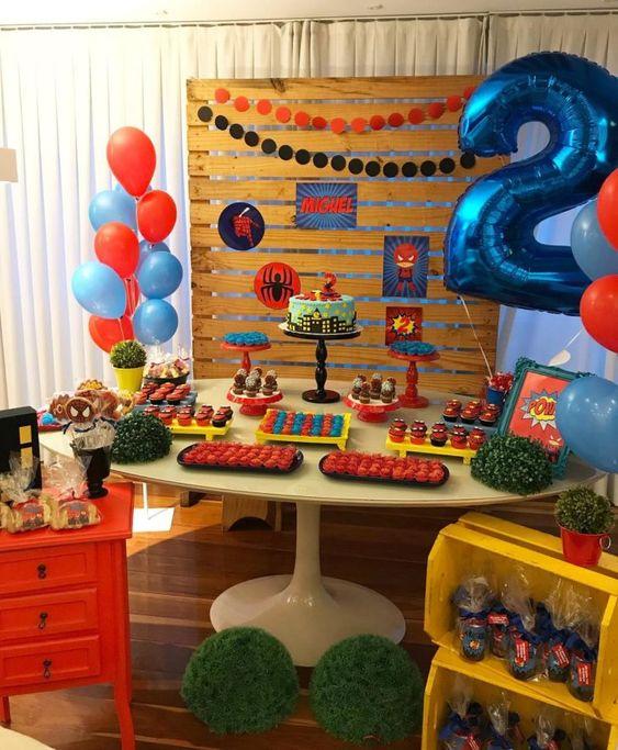 decoracion mesa principal fiesta tematica de spiderman