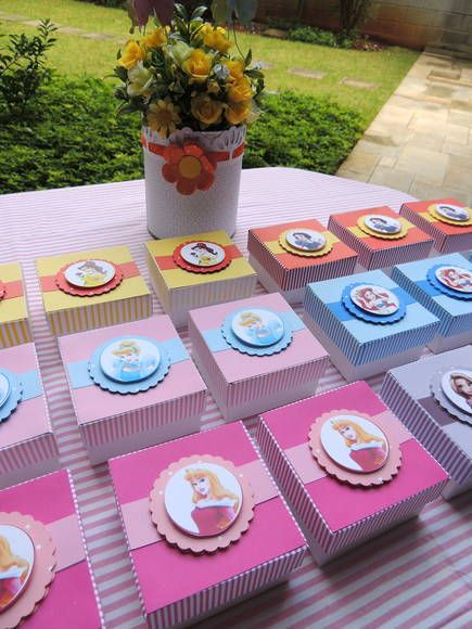 dulceros para fiestas infantiles con cajas de cartón