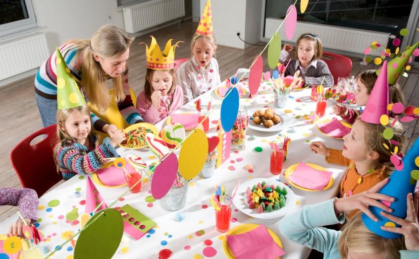 fiesta de cumpleaños en el salon de clases