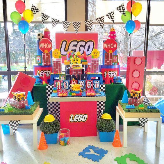 mesa del pastel de fiesta infantil de lego