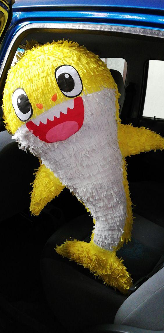 piñata baby shark