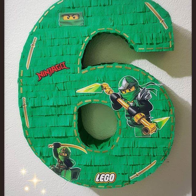 piñata de numero tematica lego