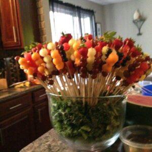 brochetas para fiestas con frutas