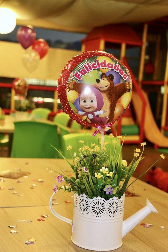 centros de mesa para fiesta de cumpleaños de Masha y el Oso