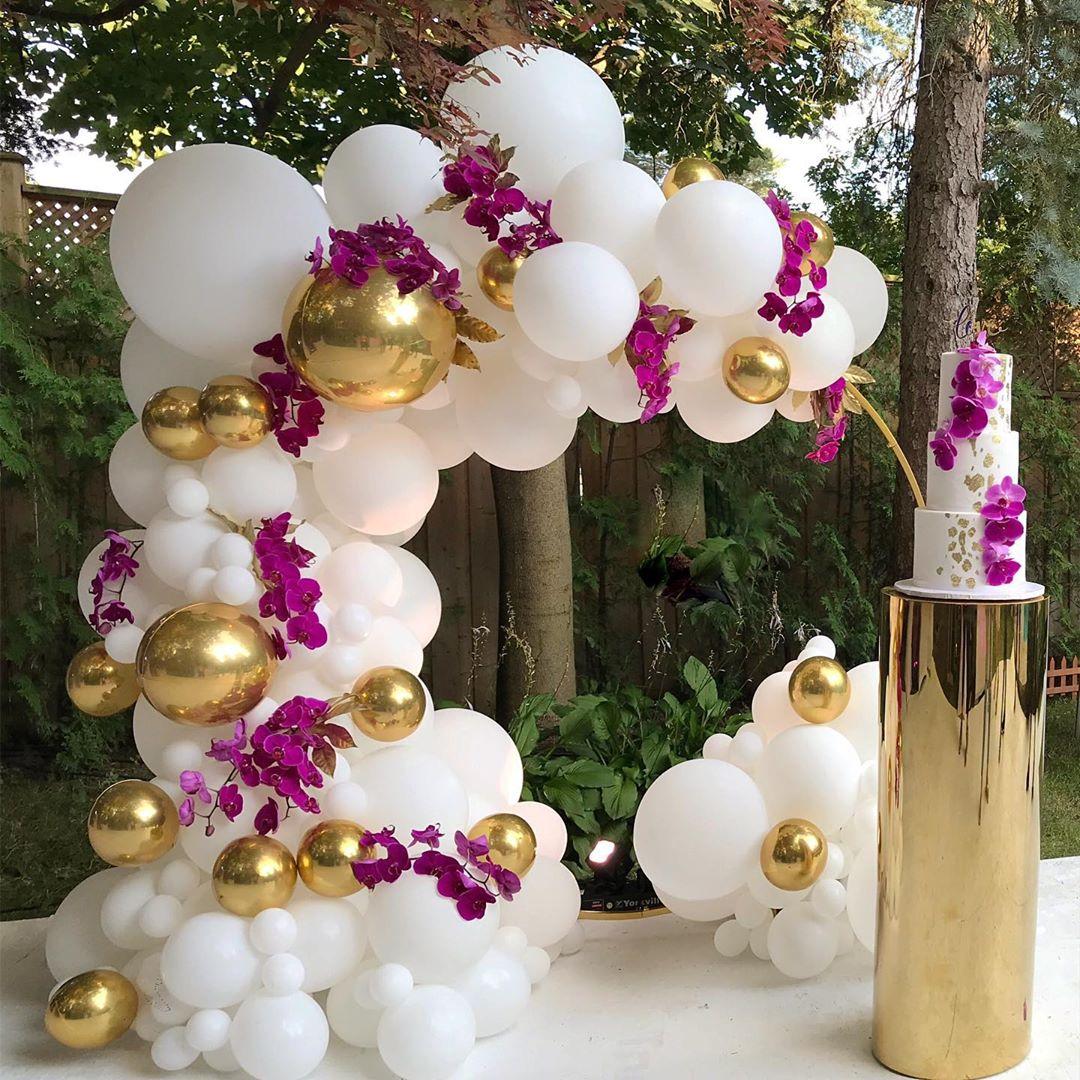 decoracion con marcos de globos para fiesta