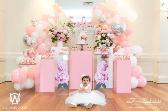 decoracion para bautizo de niña con globos