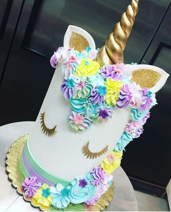 diseños de pasteles modernos para fiestas infantiles