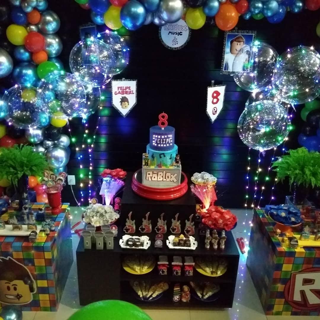 fiesta de roblox para niños mesa de dulces