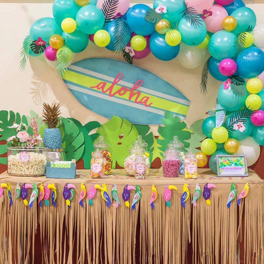 fiesta hawaina mesa de dulces