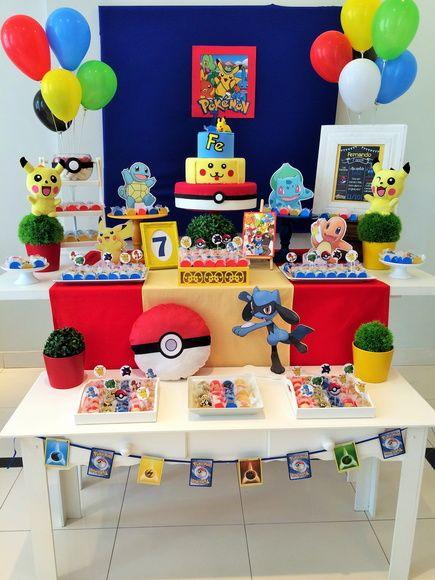 mesa de decoracion para fiesta tematica de pokemon
