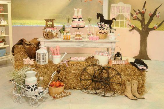 mesa de dulces para fiesta de vaquera para niñas