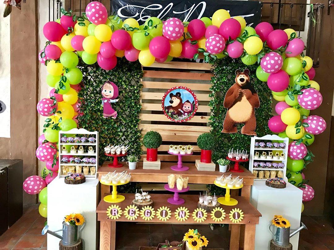 mesa de postres fiesta de cumpleaños de masha y el oso