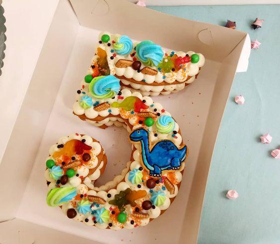 pasteles modernos para fiestas infantiles de numeros para niños