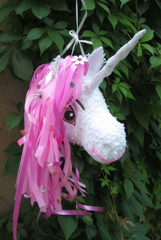 piñata para fiesta tematica de mia and me