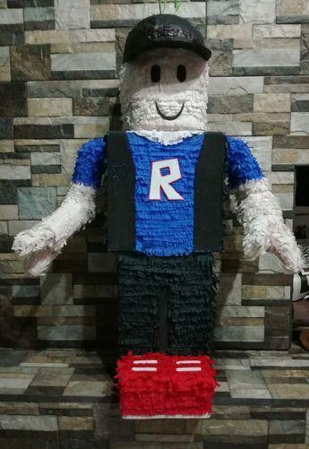 piñata para fiesta tematica de roblox para niños