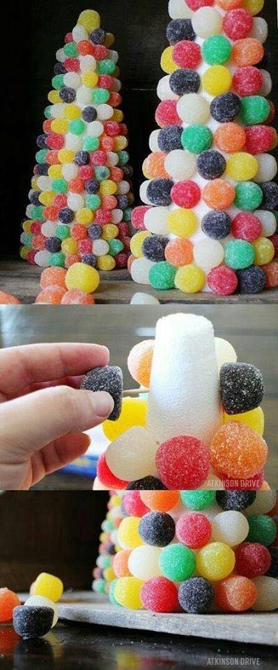 cono de gomas de dulces para regalar en una fiesta