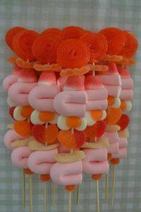 ideas para regalar dulces en tus eventos tipo brocheta