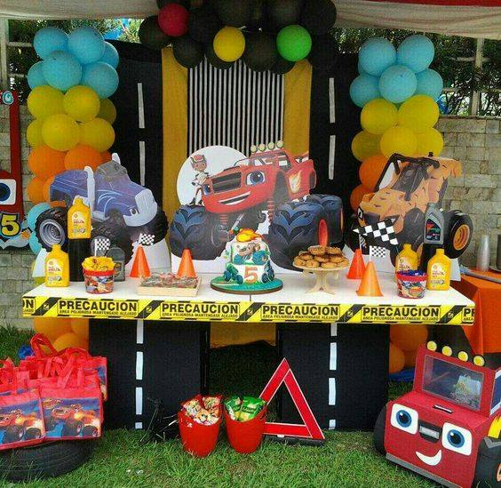 Ideas de Cumpleaños Fiesta Blaze the Monster Machine