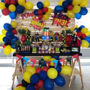 Ideas para decorar la Mesa principal Fiesta de Avengers
