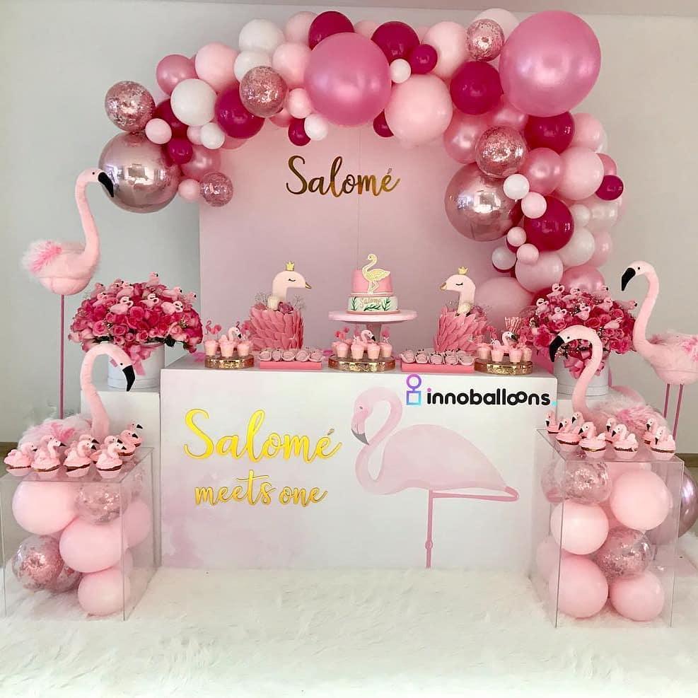 decoracion de fiesta para verano con flamingos en rosa