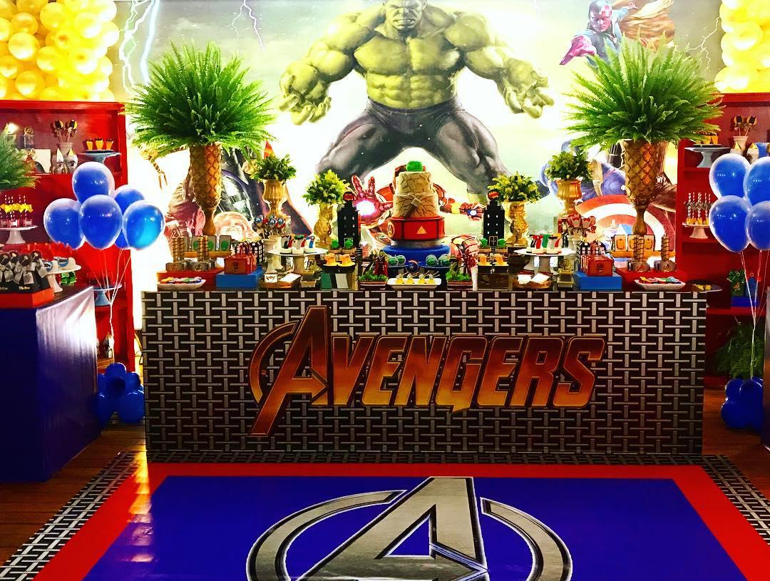 Decoracion mesa principal para avengers