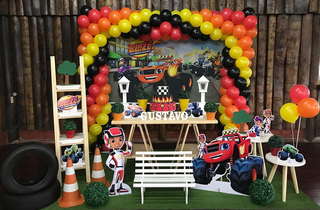 Ideas de decoracion fiesta blaze the monster machine