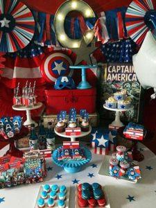 Mesa del pastel de capitan america