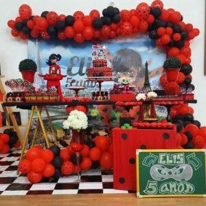 Mesa del pastel para cumpleaños de Lady bug