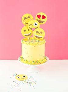 Pastel para Fiestas tematicas de Emoji