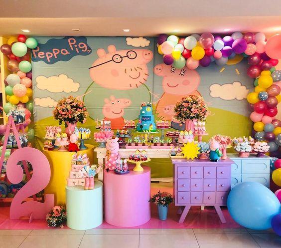 Decoracion de peppa pig para cumpleaños con globos