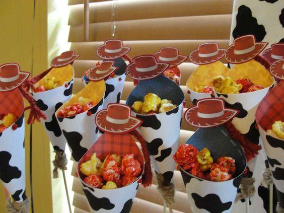 Mesa de dulces para Fiesta de Jessie de Toy Story