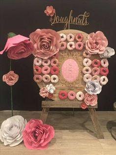 Pasteles paredes o muros de Donas para Baby Shower