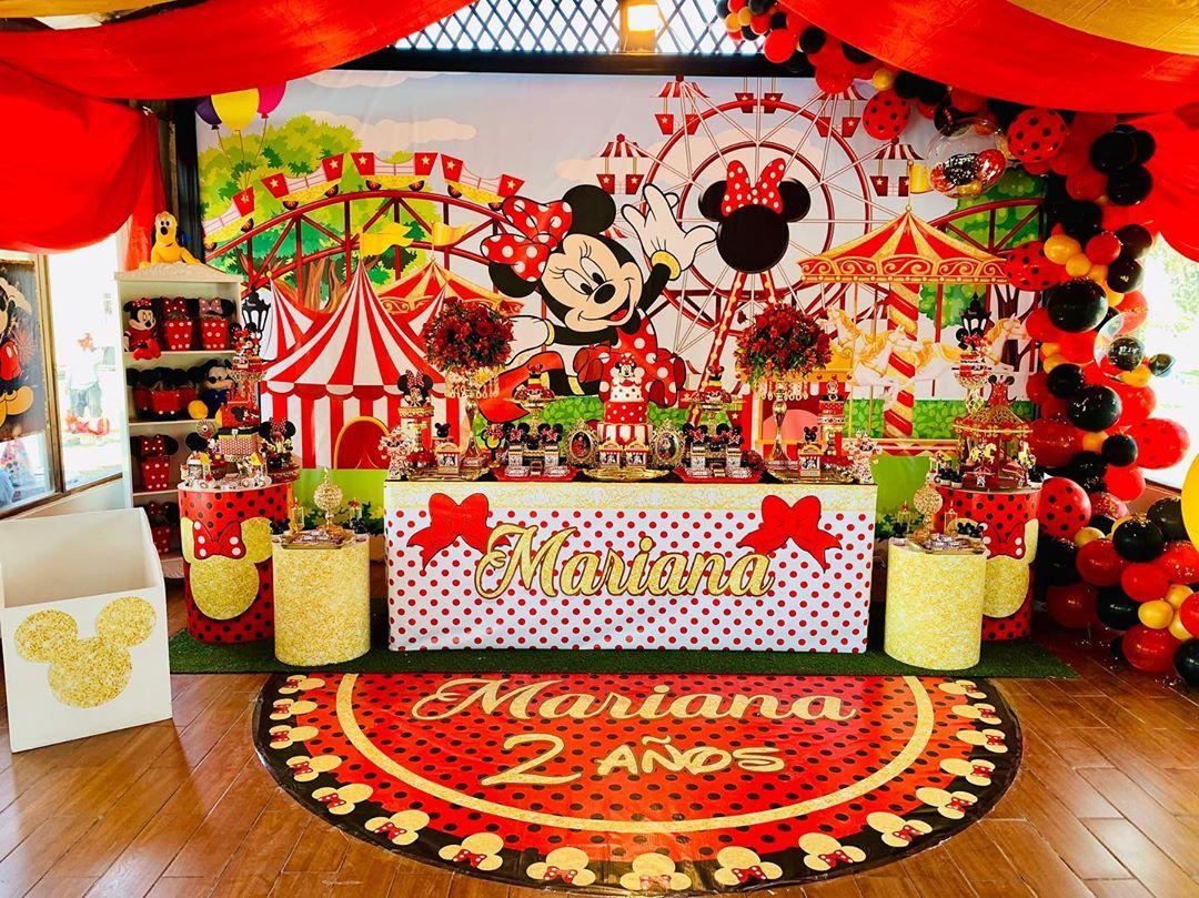Ideas de como decorar una fiesta de minnie mouse rojo