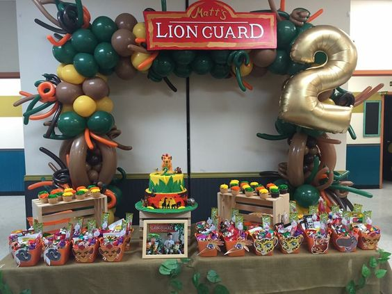 Decoraciones modernas para cumpleaños del Rey León
