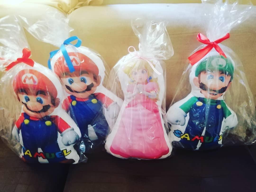 Almohadas temáticas personalizadas para regalar en fiestas infantiles