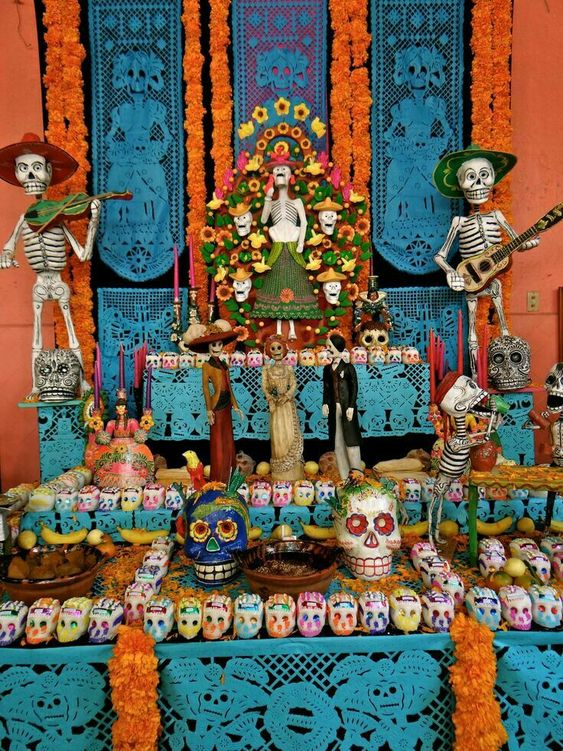 coloca elementos aromaticos a la decoracion de tu altar