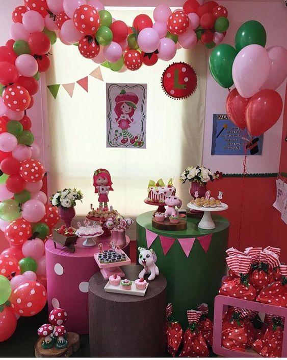 decoracion con globos de rosita fresita