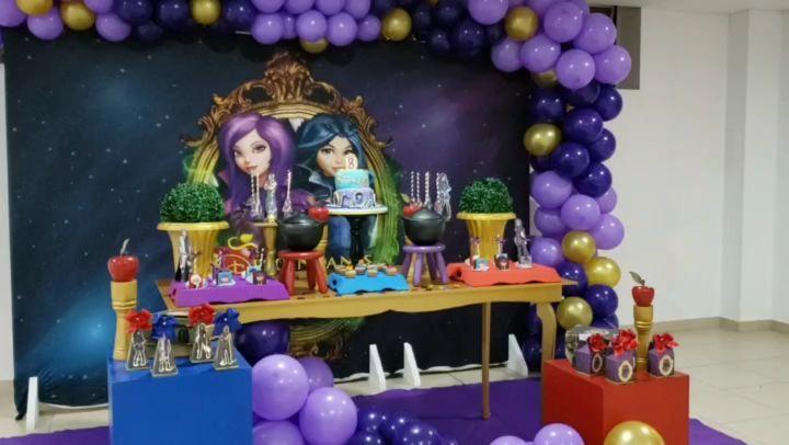 Decoracion de fiesta temática descendientes