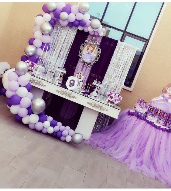 decoracion de fiesta de sofia primera con globos