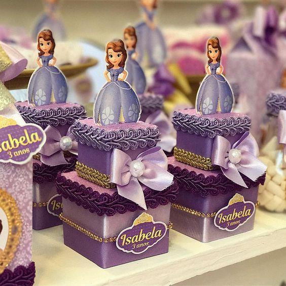mesa de dulces para cumpleaños de princesa sofia