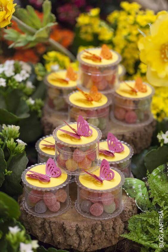 mesa de dulces para fiesta de mariposas
