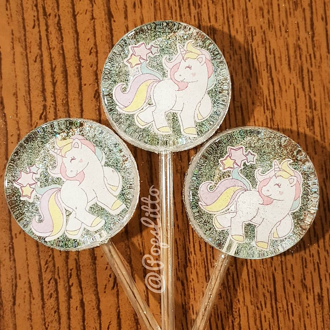 paletas personalizadas para fiesta de unicornio