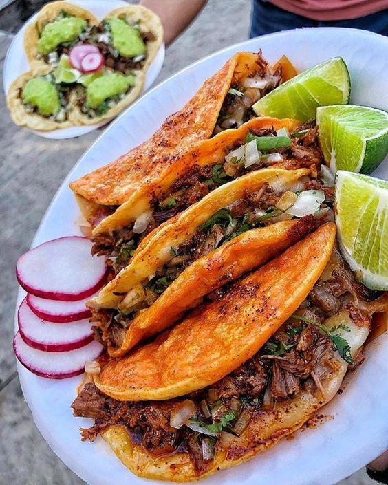 tacos de birria para fiestas mexicanas