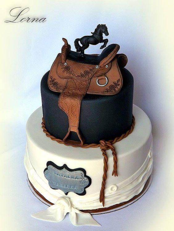 tarta de fondant para fiesta de caballos