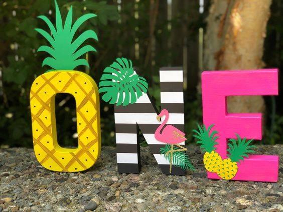 Accesorios para fiesta temática tropical