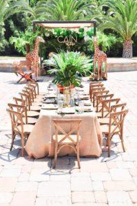 Decoracion de mesa principal para fiesta safari